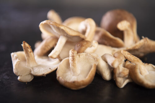 Shiitake Mushrooms (120g) - 01