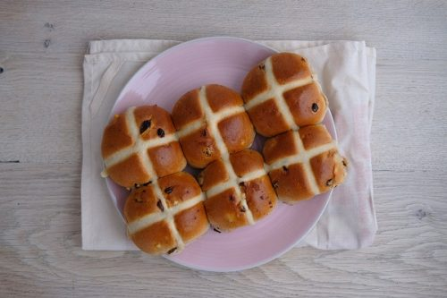 Hot Cross Buns 6 - Hobbs House Bakery - 44 Foods - 01