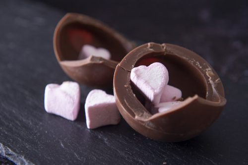 Single Milk Chocolate Bomb with Marshmallows - Cocoba - 44 Foods - 01